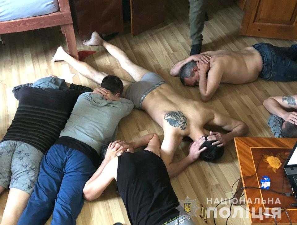 В Ровенской области разоблачили бандитов, удерживавших людей под предлогом реабилитации