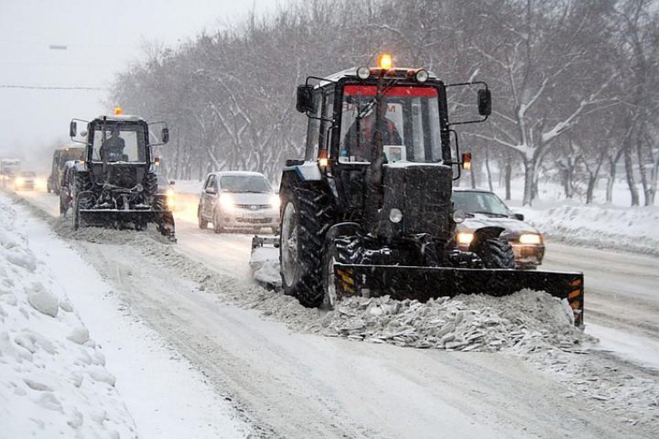 Департамент Днепровского горсовета заказал частникам уборку дорог на 300 млн гривен, которую выполняли коммунальной техникой