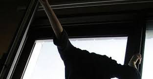 В Одессе из окна дома выпал депутат Фонтанского сельсовета