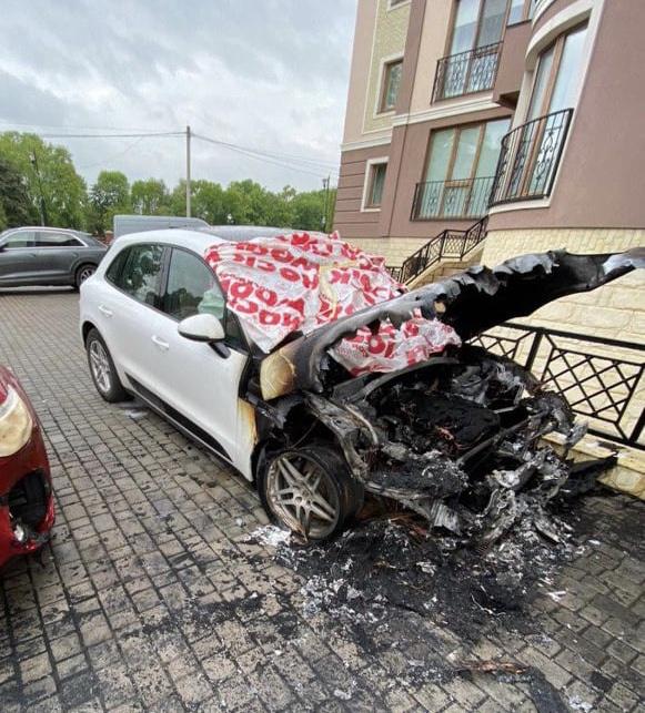 В Коломые депутату сожгли машину