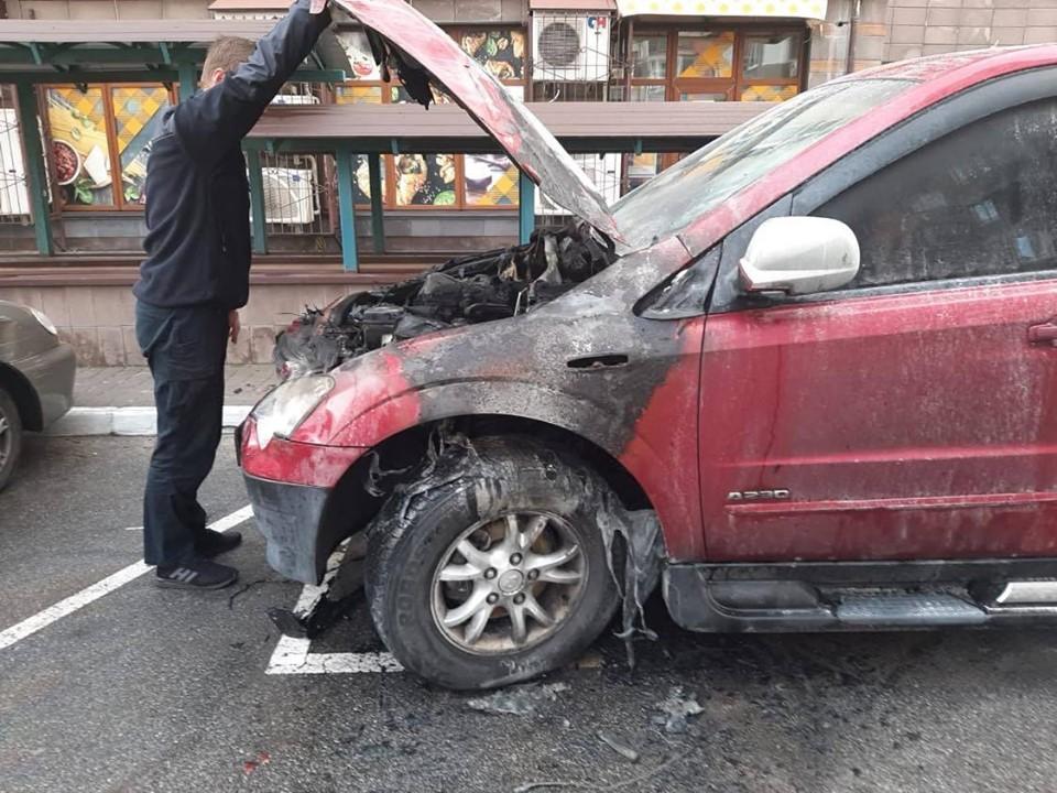Руководителю ОГХК подожгли авто: подозревают бывшее руководство