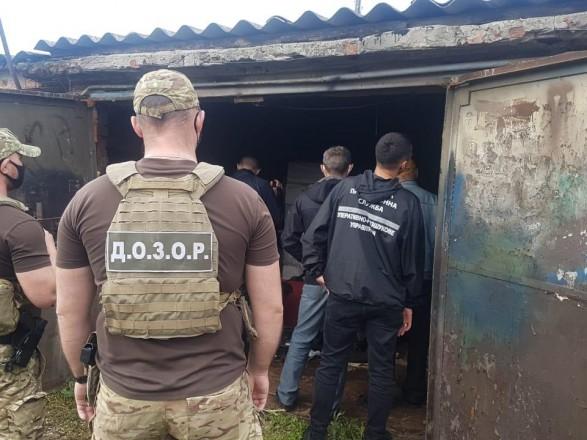 В селе Гатище нашли склад контрабандных сигарет из России