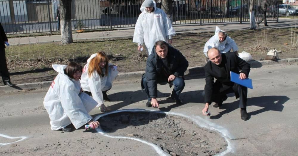 В Черкассах водитель добился штрафа для коммунальщиков в 60 тысяч гривен за поврежденный автомобиль