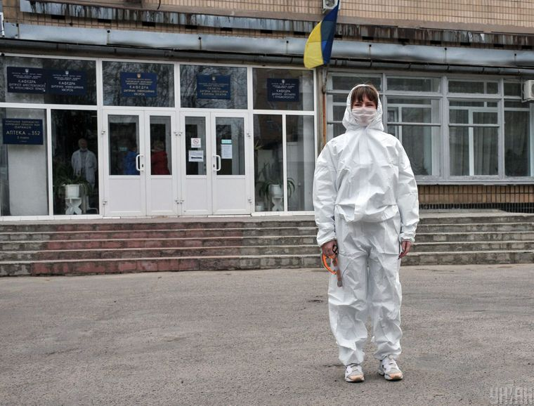 Два десятка медиков Харьковской инфекционной больницы заразились коронавирусом