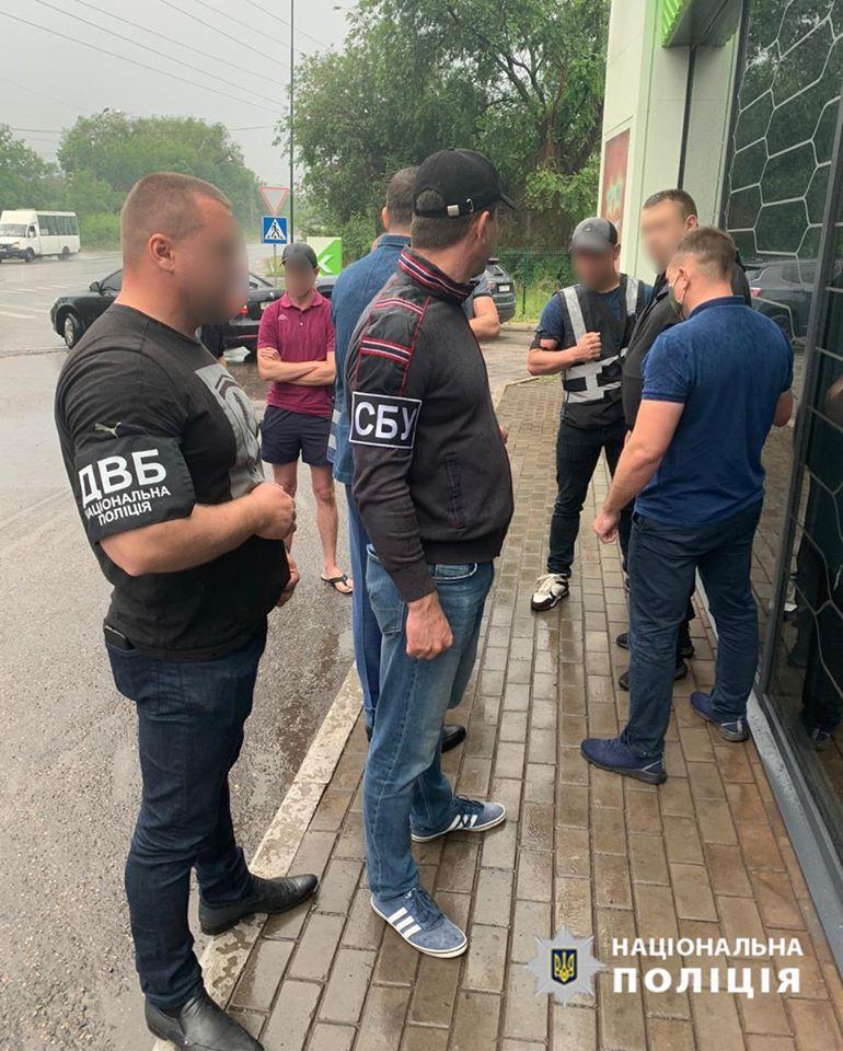 Замначальника полиции в Апостолово вымогал 5 тысяч долларов от подозреваемого