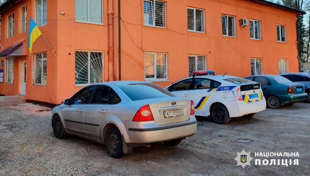 Подрядчика подозревают в некачественном ремонте отделения полиции в Тлумаче