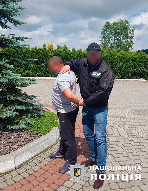 В Долине пьяный мужчина напал с ножом на полицейского