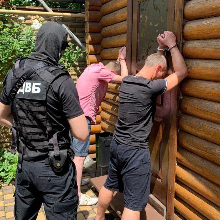 Экс-полицейский передавал мошенникам из Киева личные данные пострадавших от преступников