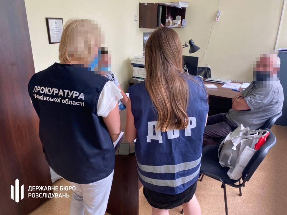 Чиновнику Красноградского лесхоза вручили подозрение в вырубке 250 дубов