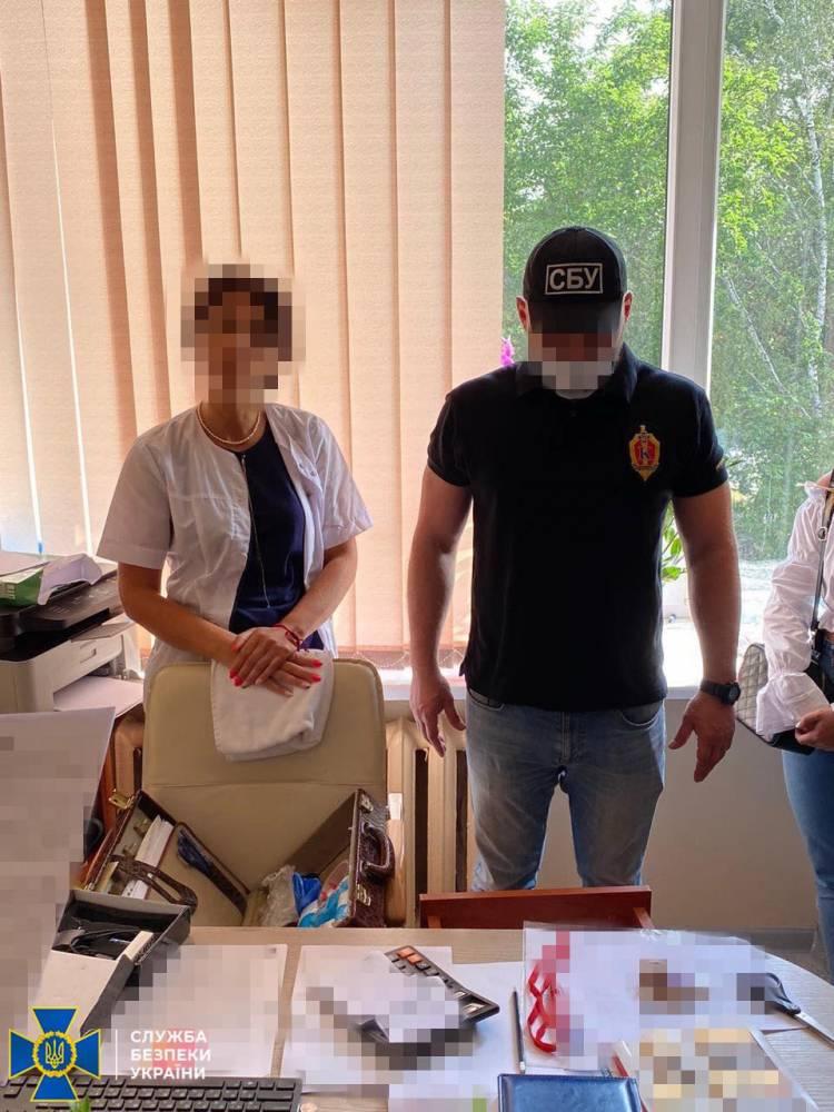 В Одессе на взятке задержали заведующую отделением больницы