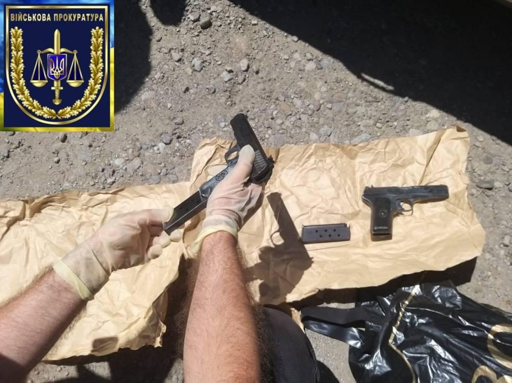 В Могилеве-Подольском посредник предложил солдату украсть оружие со склада