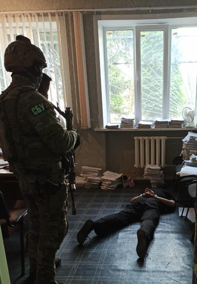 В Луганской области замначальника отдела полиции требовал деньги у военнослужащего