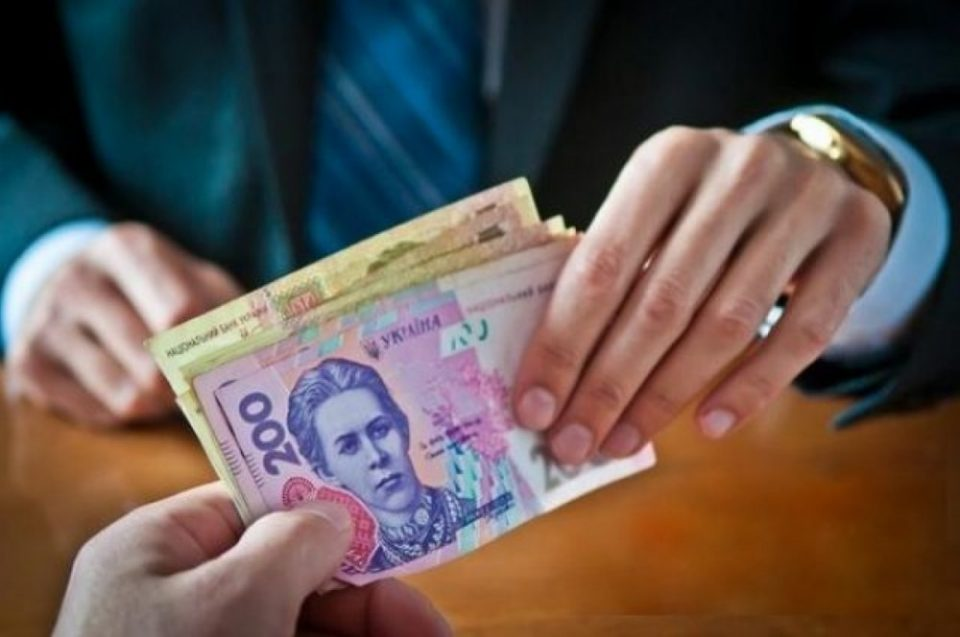 В Запорожской области ревизора налоговой подозревают в коррупции
