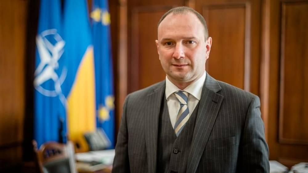 Кабмин отстранил замминистра иностранных дел Божка из-за дела против Порошенко
