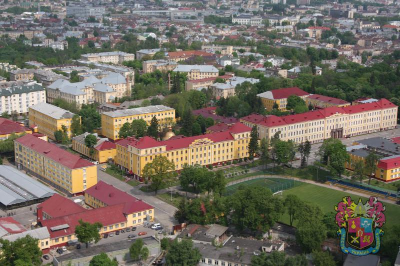 Преподавателя Академии сухопутных войск оштрафовали за взятку