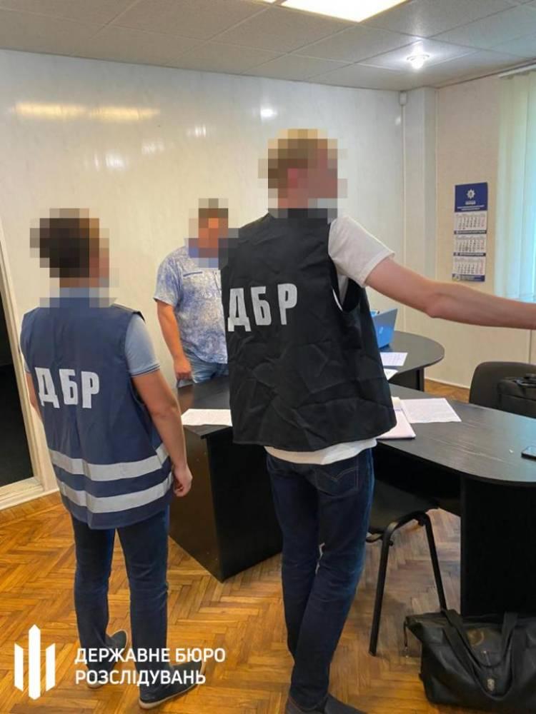 В Каменском начальник отделения полиции вымогал взятку у бизнесмена
