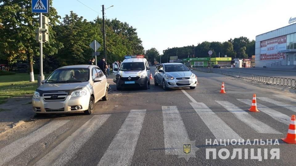 В Краснограде во время погони полицейские попали в аварию