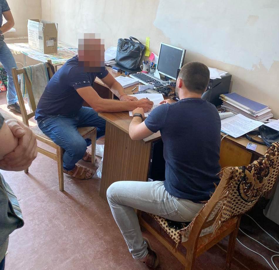 В Талалаевке депутат райсовета пытался украсть 5 млн гривен