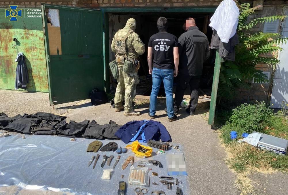 В Никополе задержали членов группировки, пытавших жителей региона