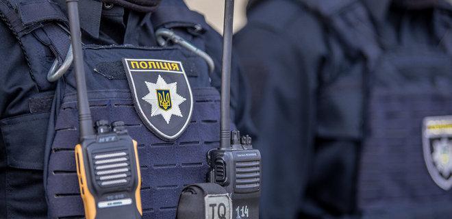В Торецке вручили подозрение майору полиции, ударившему женщину прикладом автомата