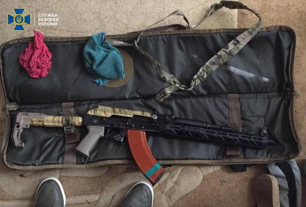 В Киеве задержали организатора межрегиональной группировки торговцев оружием