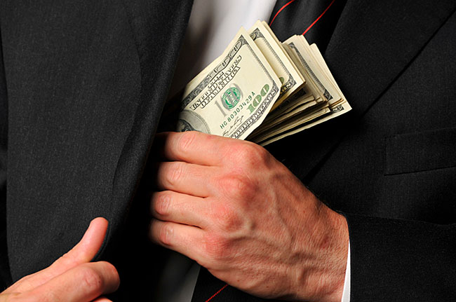 Председатель теротделения «Ассоциации налогоплательщиков Украины» подстрекал бизнесмена к передаче взятки