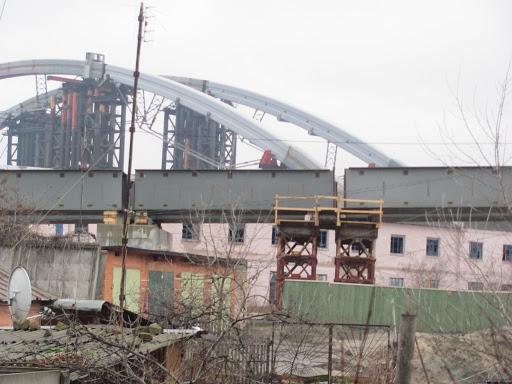 Суд отменил выплату 80 млн гривен Фуксу за пострадавшие при строительстве Подольского моста цеха