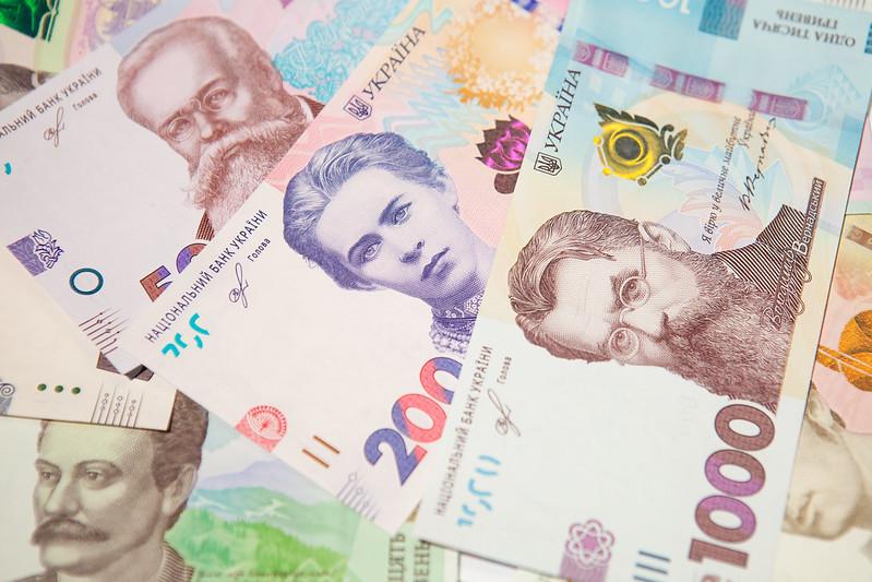 Обвиняемая в мошенничестве юрист отсудила почти полмиллиона гривен компенсации