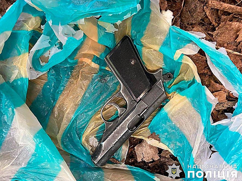 В Николаеве глава областной организации партии «Свобода» выстрелил себе в голову при чистке пистолета