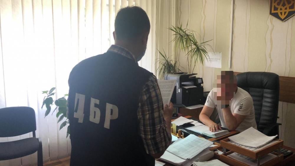 Экс-офицеру погранслужбы вручили подозрение из-за поездки Порошенко на отдых