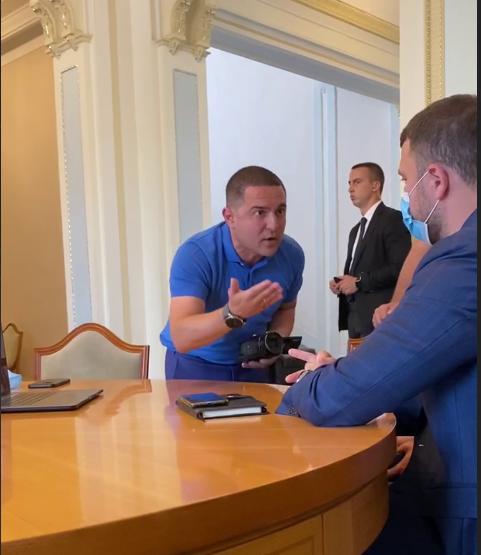 «Вали в отставку»: нардеп Куницкий напал на Криклия с обвинениями
