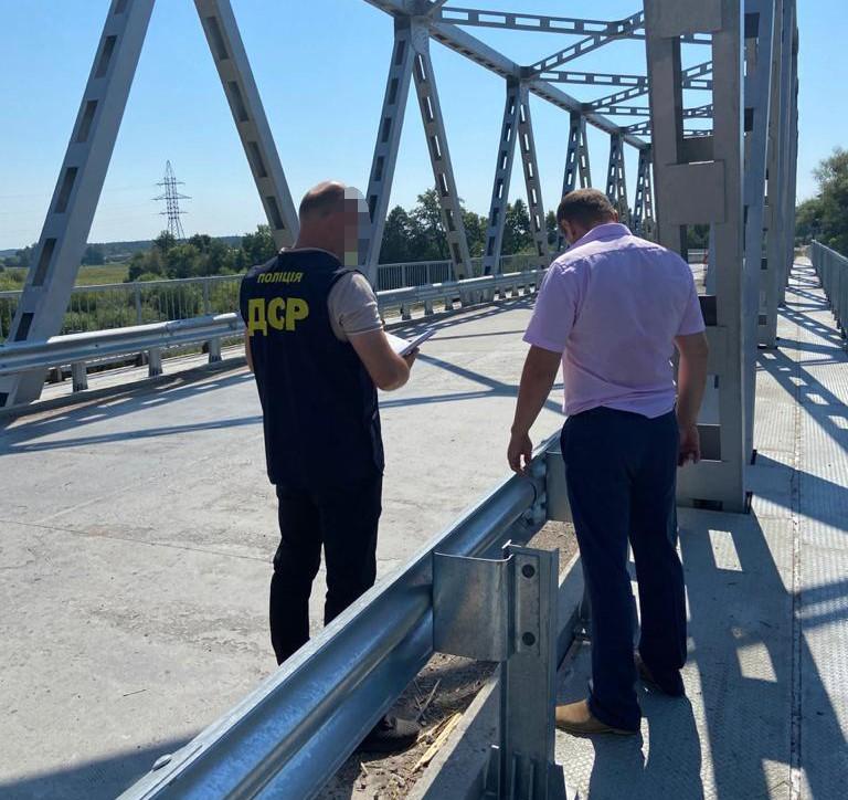 Чиновнику Службы автодорог Ровенской области вручили подозрение в халатности