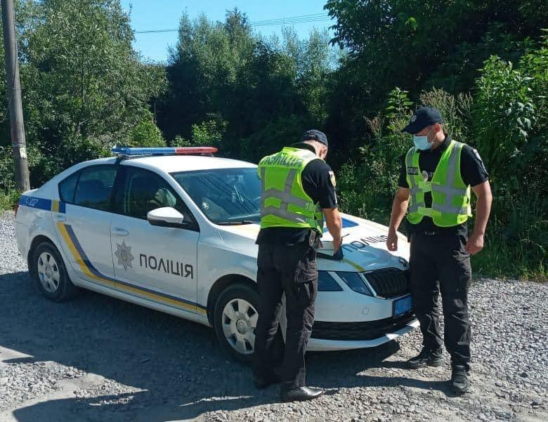 Во Львовской области пьяный скутерист хотел дать взятку полицейским