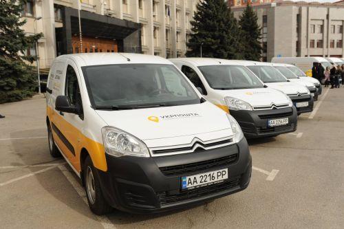 «Укрпочта» взяла в лизинг тридцать поддержанных автомобилей Peugeot за 9 млн гривен