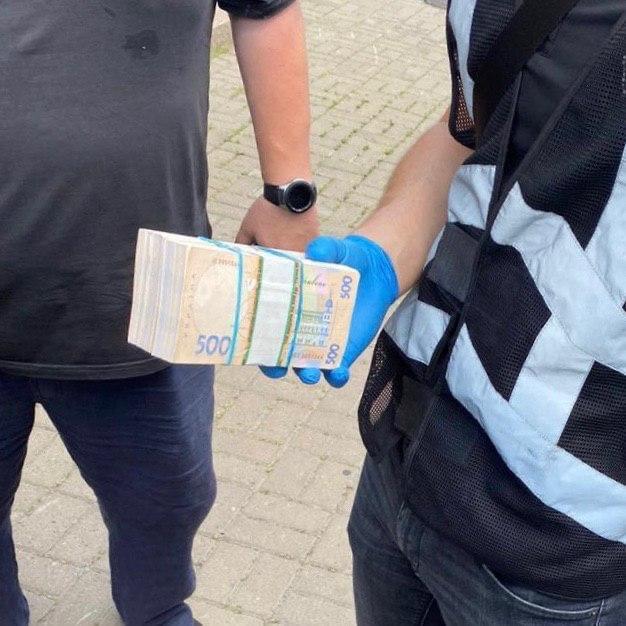 Инженера Киевской обладминистрации разоблачили на взятке
