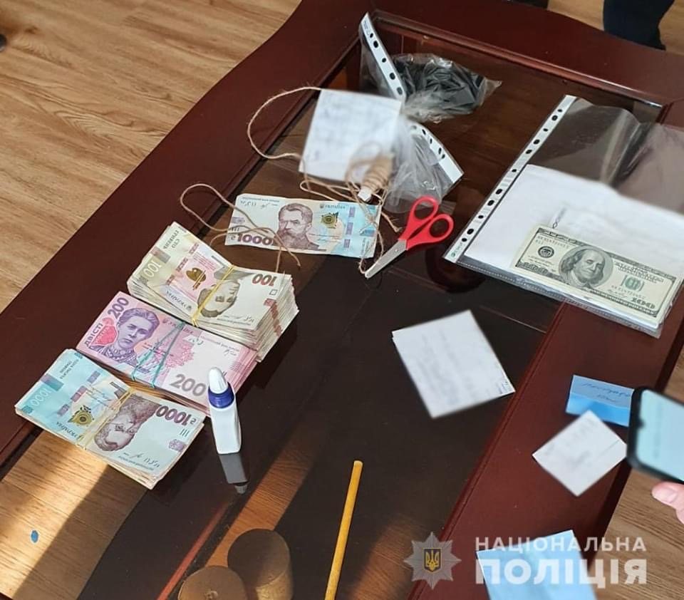 В Донецкой области мошенники присвоили почти 1,7 млн гривен на пассажирских перевозках
