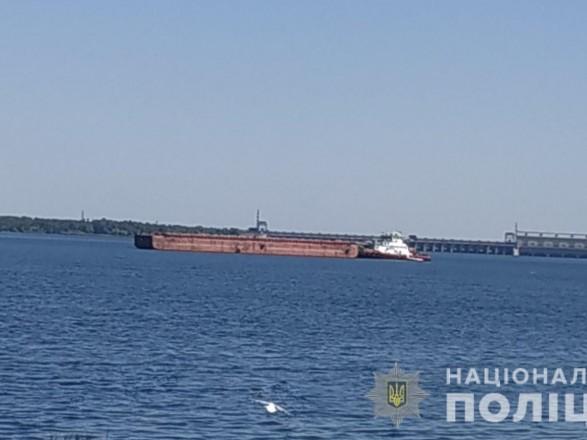 В Новой Каховке буксир врезался в рыбацкую лодку — погиб один человек