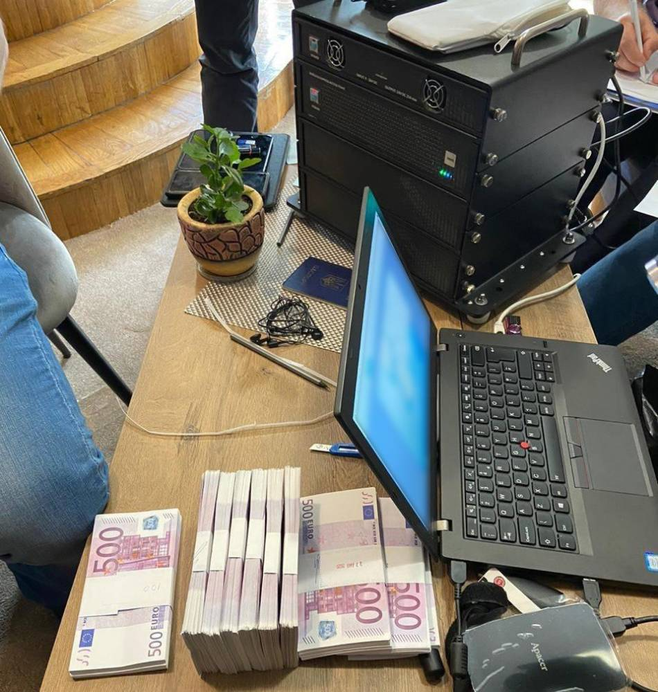 В Киеве злоумышленники пытались продать комплекс мониторинга связи за полмиллиона евро