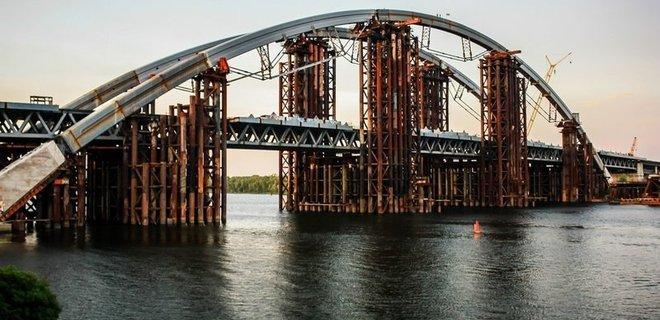 АМКУ открыло дело по факту тендерного сговора на строительстве Подольского моста