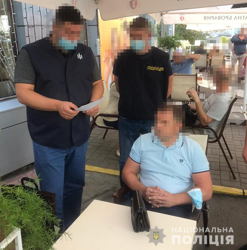 В Киеве задержали чиновника «Укртрансбезопасности» за вымогательство взятки