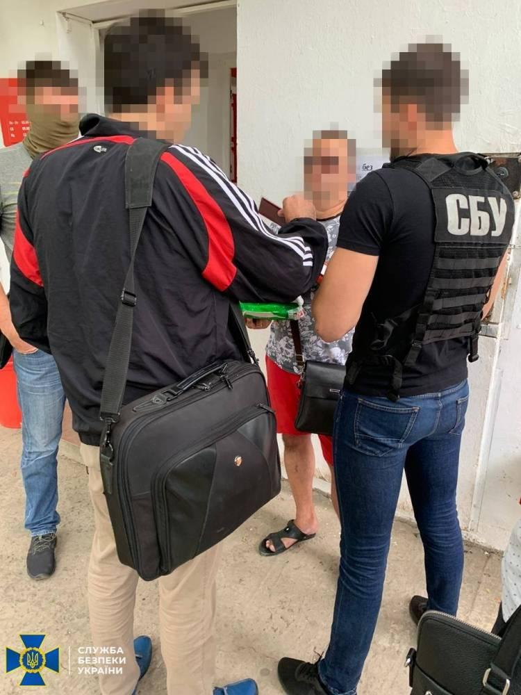 В Киеве поймали группу торговцев оружием