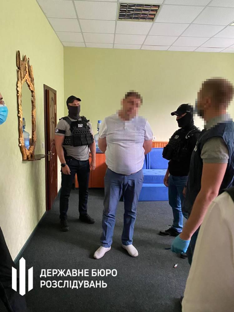 Глава Запорожского областного лесхоза получил взятку в 70 тысяч гривен