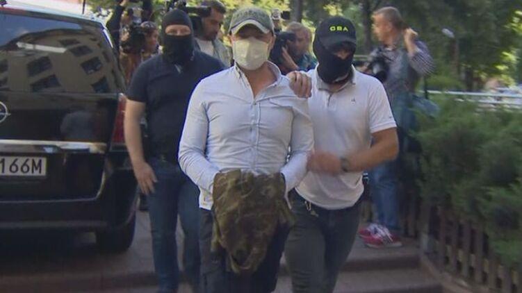 В Польше у экс-главы «Укравтодора» нашли тайники с одним миллионом долларов