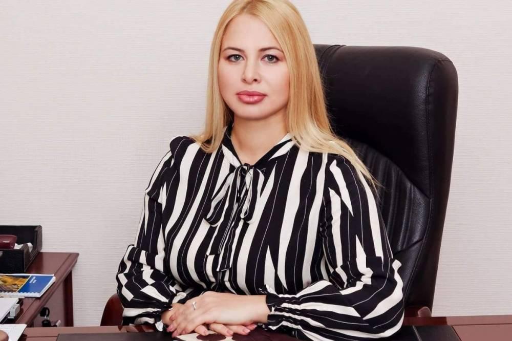 Экс-супруга Геращенко на должности чиновника в Харьковском горсовете раздает подряды фирмам мужа