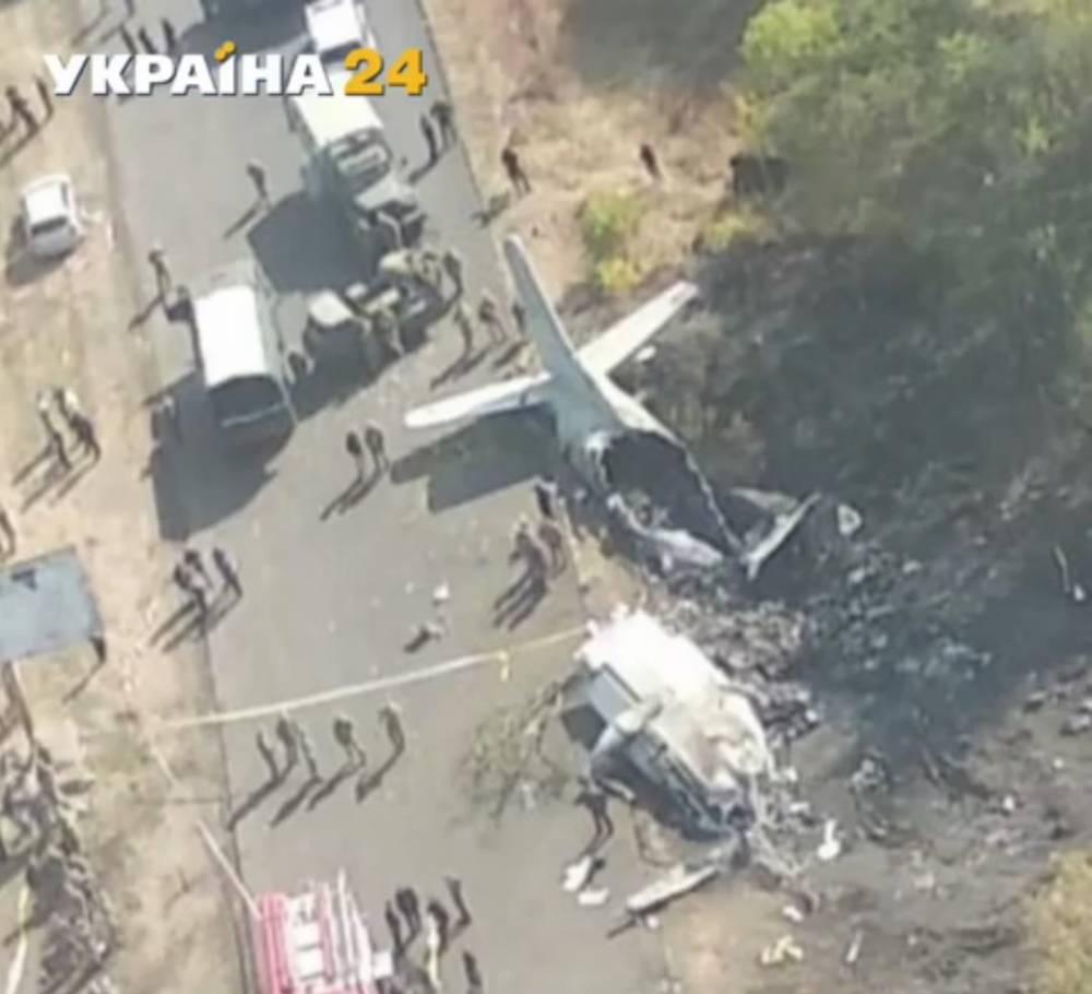 Президент запретил учебные полеты самолетов АН-26 из-за катастрофы под Чугуевом