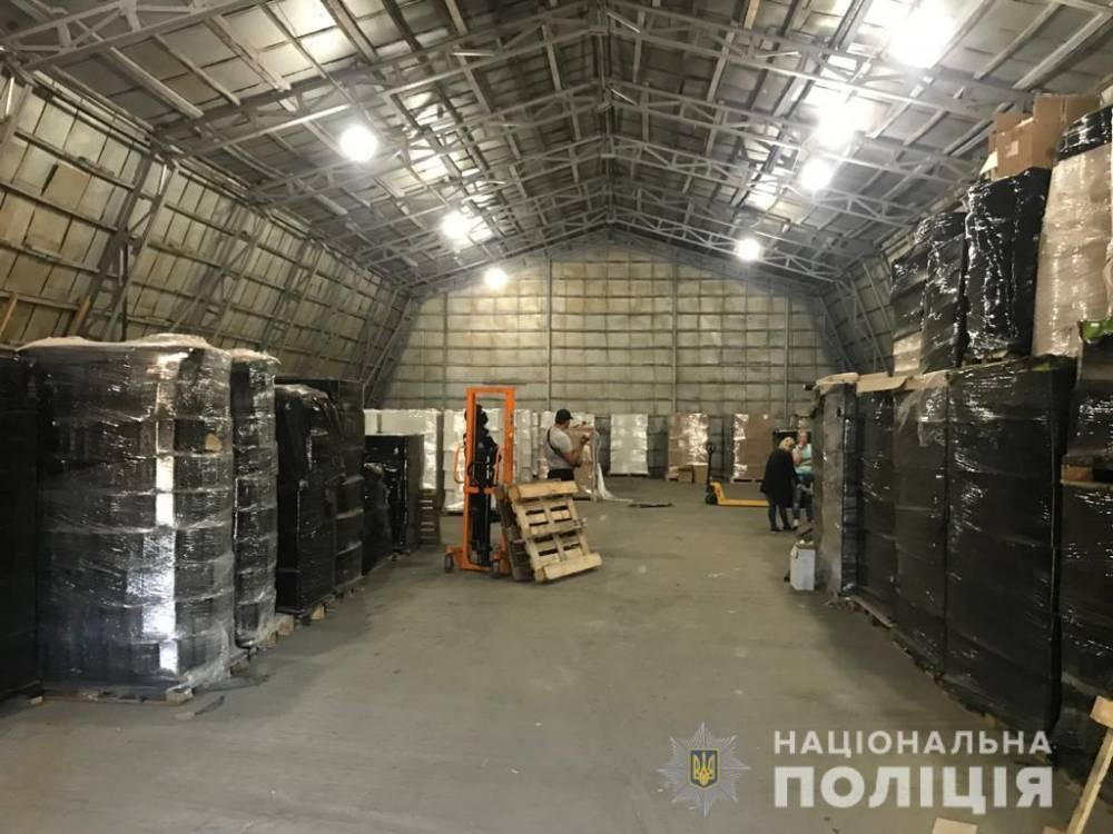 Во Львове закрыли завод, где нелегально производили поддельный алкоголь