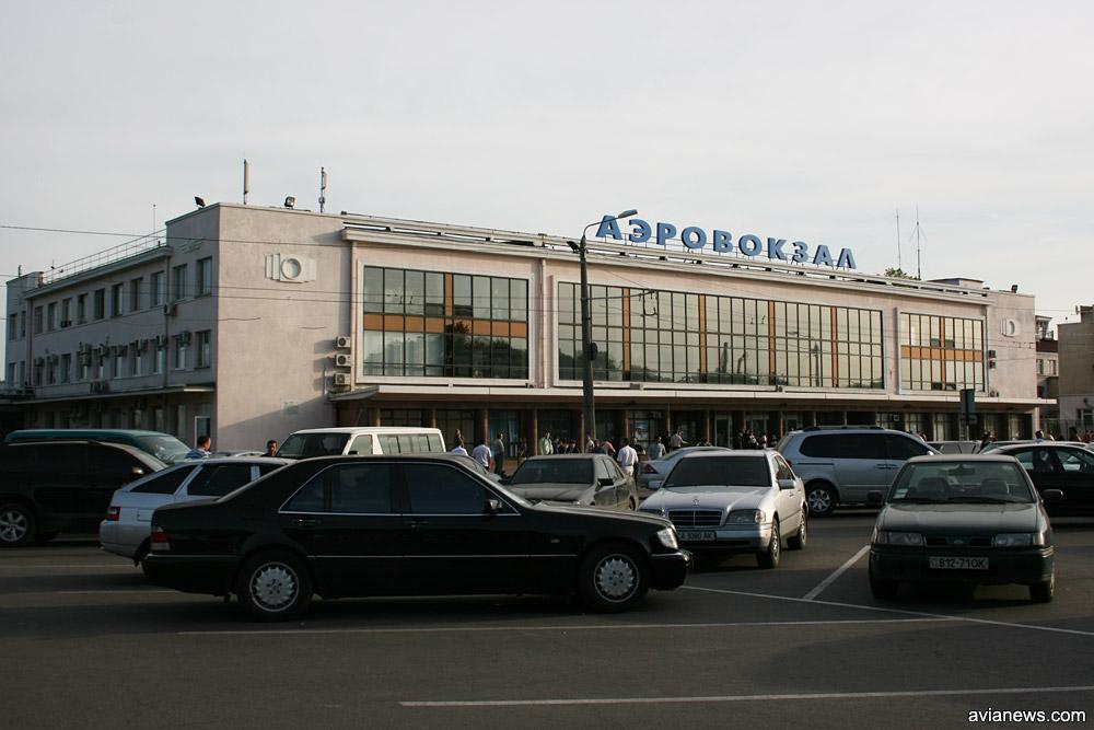 Аэропорт в Одессе потерял 6 млн гривен из-за неэффективной политики горсовета