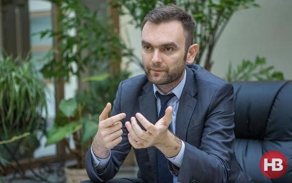 Член набсовета «Укрэксимбанка» купил новый Volkswagen за 1,2 млн гривен