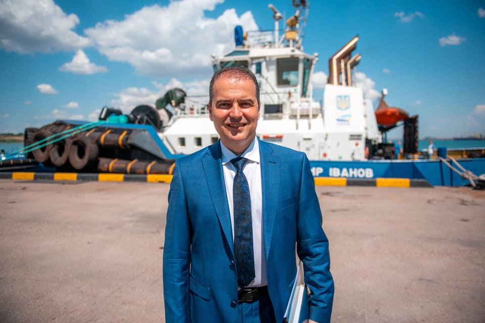 Экс-директор порта Южный Олейник незаконно начислял себе премии в период пандемии