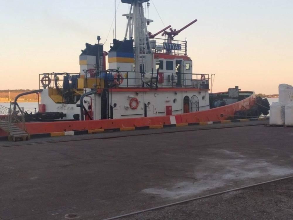 АМПУ разрешила опасному и старому буксиру «Витязь» работать в порту Южный